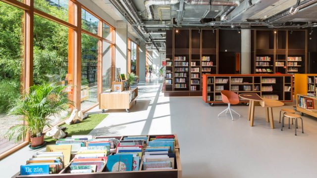 Aatvos-OBA-Bijlmerplein-bibliotheek-design9