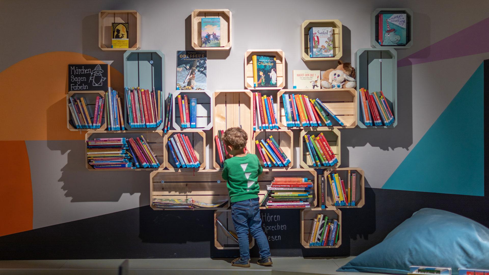 Langenfeld library kid